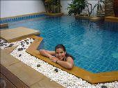 dans la piscine de l'hotel d'un pote: by sama, Views[122]