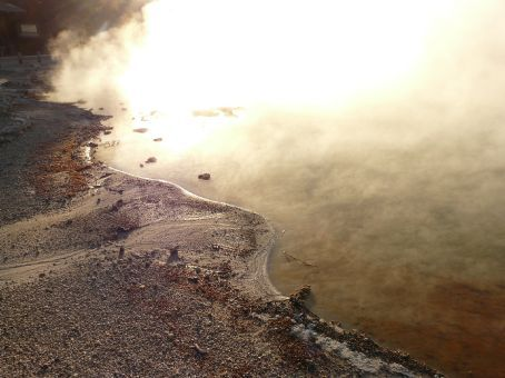 the 'champagne lake' at Wai-o-tapu  - if only it were real...