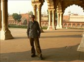 some traveller bloke at Agra Fort: by sarahandphil, Views[262]