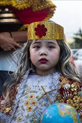 A child made to look like the infant Jesus, Sto. Nino, leads the parade. : by seed_ifferent, Views[243]