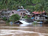 The swollen Mekong River - the highest it's been for 40 years: by seilerworldtour, Views[195]