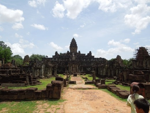 Bakong - the grandest of the early temples