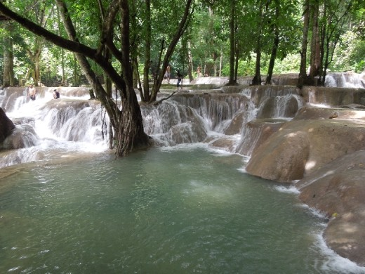 Tad-Se Waterfall