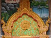 Glass mosaics as decoration everywhere in Thailand! We saw similar ones in Laos at the Royal Palace: by sglass, Views[128]