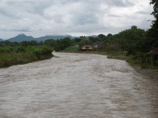 The flooded river at Pai