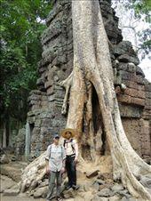 My guide in Angkor Wat.: by shane, Views[179]