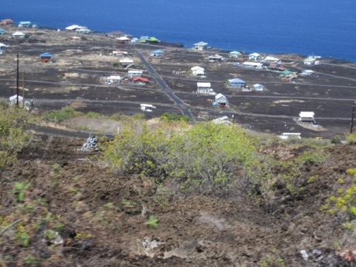 The village of Mioli'i, one of the only remaining traditional Hawaiian fishing villages.