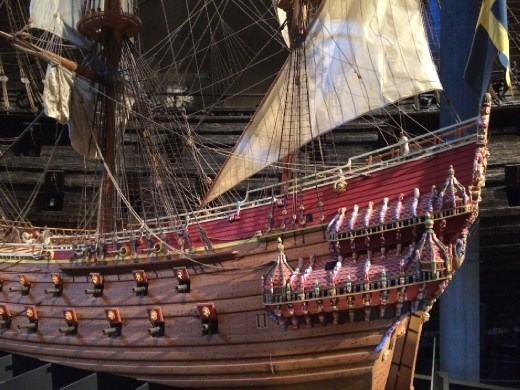 Accurately painted scale model of the Vasa. The archeologists took samples from the Vasa to determine the original colors of the paint.