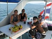 lunch before diving beautiful Phi Phi waters: by shockalotti, Views[215]