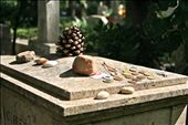 Admirers regularly leave offerings on Gramsci's gravesite.: by signejb, Views[216]