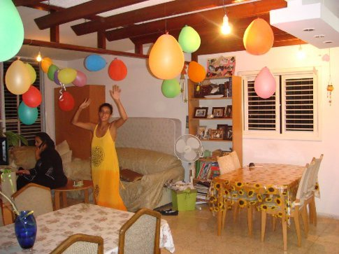 It simply wouldn't be Didi's birthday without balloons.