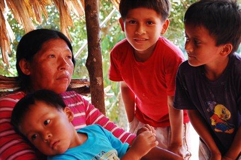 Fanni & Rickson at the the Yandanaetza tribe- Ecuadorian Amazon
