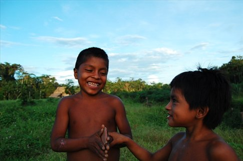 A couple of kids from Juyuintza tribe, Amazon