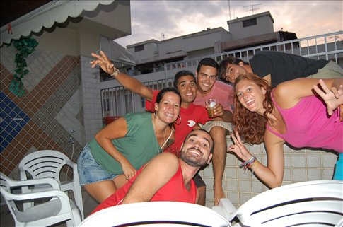 Daniels friends and sister in Rio