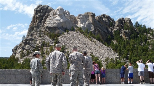 MT RUSHMORE AND SOLDIERS