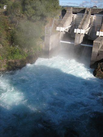 The Arartiatia Dam on the Waikato River in action!