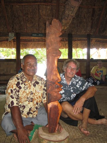Geoff, Tui Mali & the carving