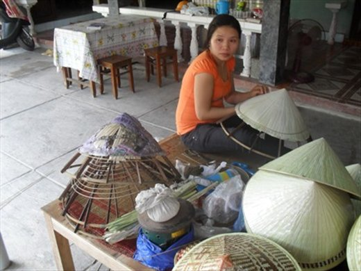 Conical hat making