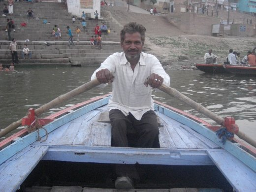 I tipped this guy 2 rupees for the boat ride....he gave it me back