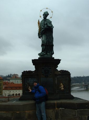 Statue of a martyr who was thrown from the bridge at this spot.