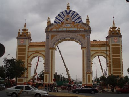 Main entrance to Feria during the day