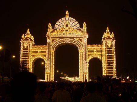 Main entrance to Feria at night
