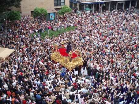 A paso being carried through the paza