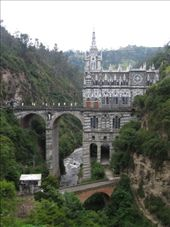 Sweet Church that spans a River. Someone had a vision of the Virgin Mary here and was inspired put a whole lotta money into building this near the sketchy smelly border town of Ipiales : by spencerhoneyman, Views[136]