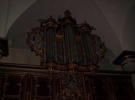 organ in the church which was above most of the pews