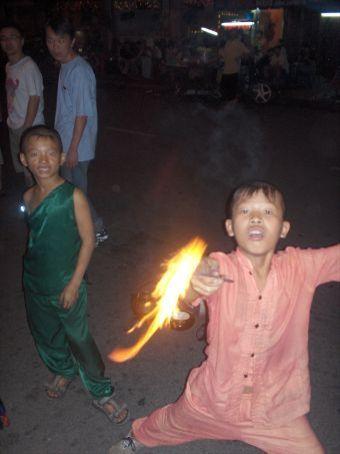 Gateunderholdning i vietnam.