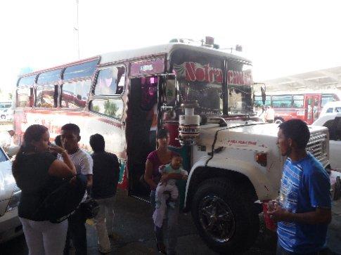 mit dem Bus ging's nach Tierradentro