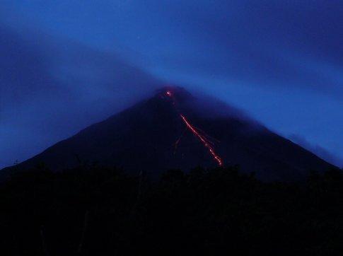 Vulkan in Action bei Nacht, die Rückkehr!