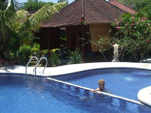 Our luxury 10 quid pool villa!