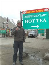 Who would give up the chance of a free, warm brew at the top of the 3rd highest road in the world!: by steve_and_emma, Views[268]