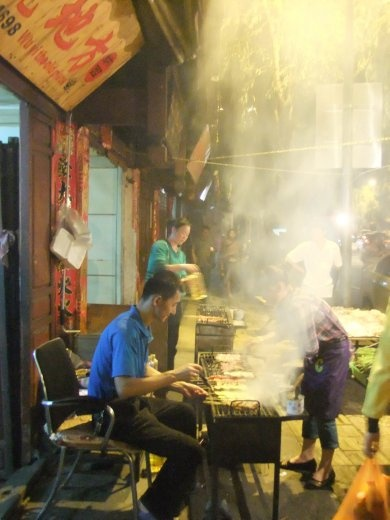 The Lijiang grill master.