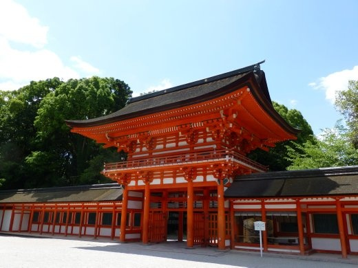 Shmogamo-jinja temple is not one of the famous ones and so was less crowded and free!