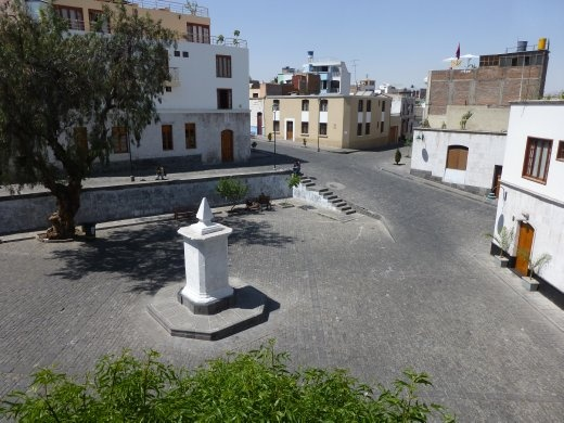 Amazing Home Hostel was located on a quiet Plaza only 5 mins from the town centre.