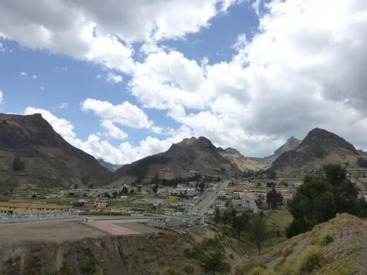 Approaching the town of Zumbahua.