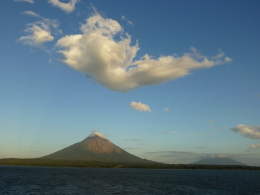 Sailing towards Isla de Ompete and the twin volcanoes of La Concepcion and Mederas.