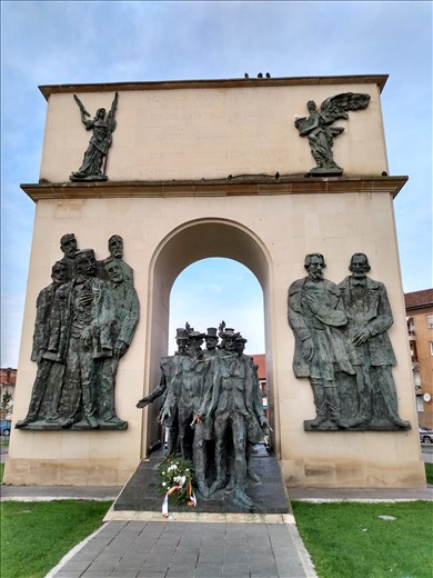 Monument to honour the people who over threw the Habsburgs of Austria in 1848.