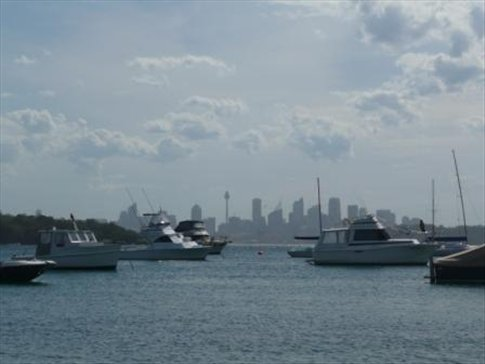 sydney harbour - as seen from a boat while sipping g´n´ts