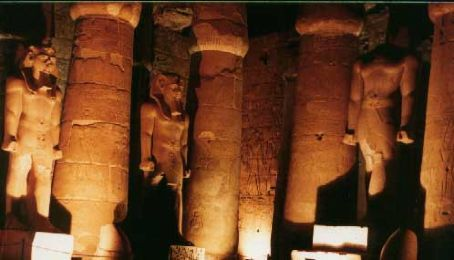 More statues of Ramses