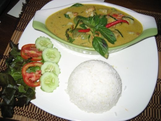 Phaet's delicious green curry shrimp
