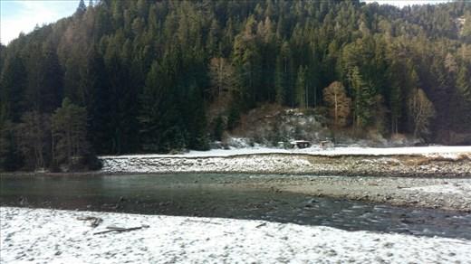 Snow & ice along the riverside