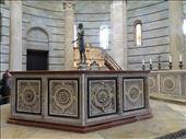 Baptismal font, Pisa Baptistery: by supergg, Views[158]
