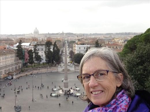 Viewing Piazza del Poppolo
