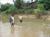 Um zur Hoehle zu kommen, mussten wir durch den Fluss!: by suse, Views[100]