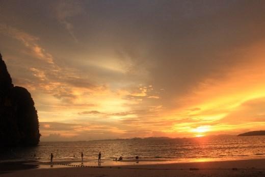 Sunet @Phra Nang Cave Beach