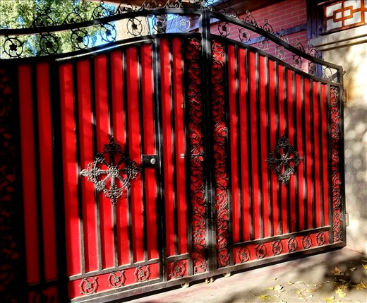 As usual, here is another gorgeous gate.