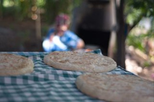 I dreamt to see how home-made bread is being baked in a real Turkish village.